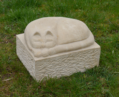 Katze aus Stein